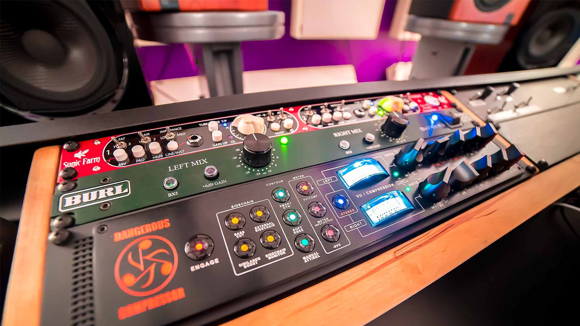 Upload to Cphonic Mastering page photo from outboard gear